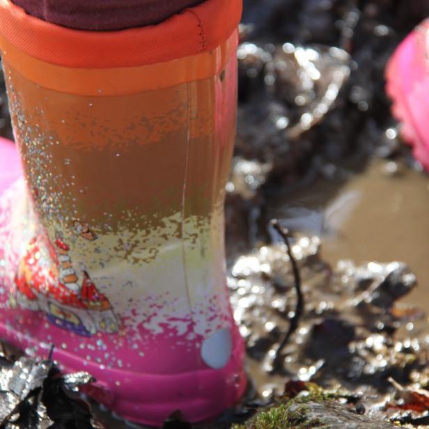 permaculture enfants boue